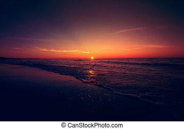上に, 日没, sea.