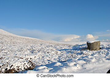 wicklow mountains - picturesque view of the wicklow...