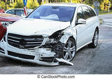 傷つけられる, 事故, 衝突, 得なさい, 自動車, 前部, 道
