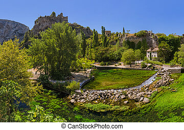 Village Fontaine-de-Vaucluse in Provence France - travel and...