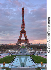 The Eiffel Tower at sunset - The Eiffel Tower and fountains...