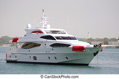 Yacht crusing in Ocean - Majesty yacht cursing in Abu Dhabi...