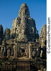 Faces Bayon Temple Tower - The central tower of the Bayon...