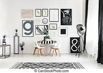 Carpet with geometric pattern - Big black and white carpet...