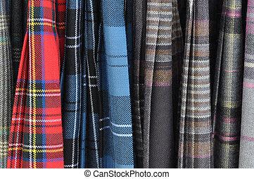 Falda escocesa, Plano de fondo, escocés