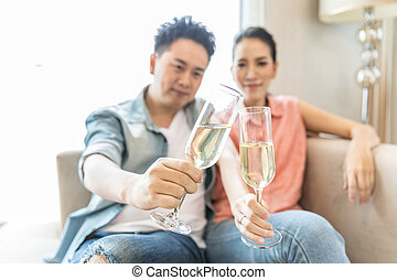 Young Couples celebrate wine - Young Couples celebrate...