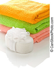bath sponge with towels