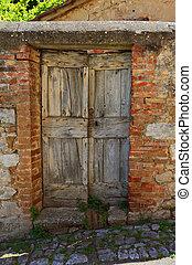 old wooden door in Italy