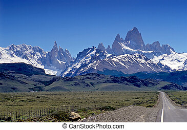 Fitz Roy and Cerro Torre - The fantastic mountains of Fitz...