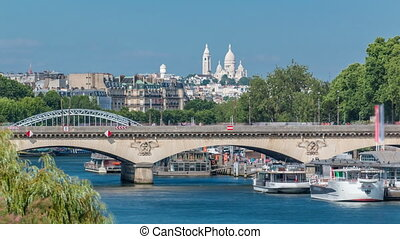 Bridge Jena and Basilica du Sacre-Coeur timelapse. Paris,...