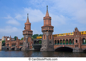 Oberbaumbruecke in Berlin - The famous Oberbaumbruecke in...