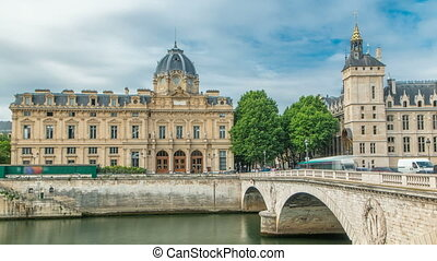 Castle Conciergerie and Commercial Court of Paris timelapse...