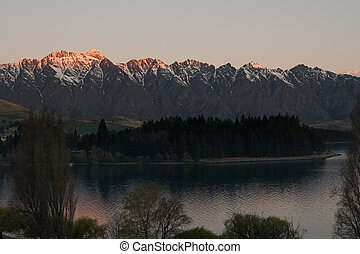 sunset on remarkables - Sunset accross peaks of remarkables...