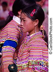 Flowered Hmong girl - Girl Hmong flowered in market of Can...