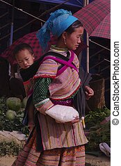 Woman Hmong flowered market of Lai