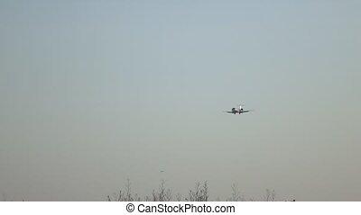 Landing of a passenger aircraft - Landing of a passenger...