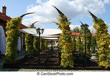 Outdoor cafe - Restaurant - outdoor patio with a garden and...