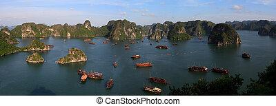 Halong Bay Panoramic - Halong Bay junk boats, Vietnam, Asia