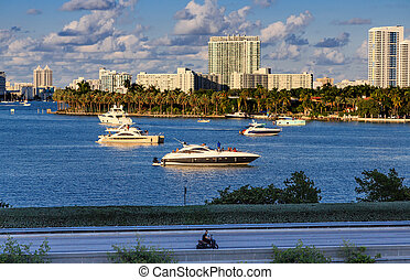 Yachts in Biscayne Bay - Luxury Yachts in Biscayne Bay...