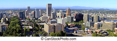 Portland OR, Panorama - City of Portland Oregon panorama, mt...