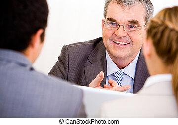 Leader of business team - Image of senior leader...