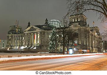 berlin reichstag winter