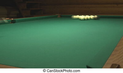 Russian billiard. - Start the game in Russian billiards