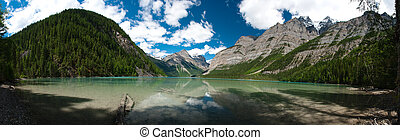 Pano of Kinney Lake in British Columbia - Panoramic of clear...