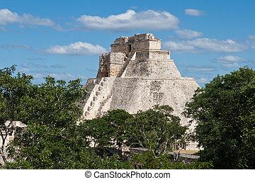 Anicent mayan pyramid (Pyramid of the Magician, Adivino  ) in Uxmal, M?rida, Yucat?n, Mexico
