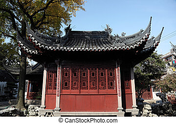 Traditional Chinese Building in Yuyuan Garden, Shanghai...