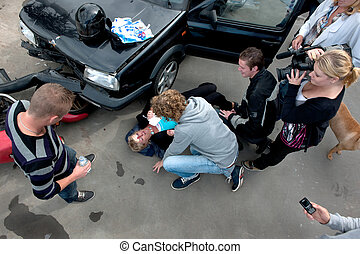 Chaotic scene at a car crash - Chaotic scene just after a...