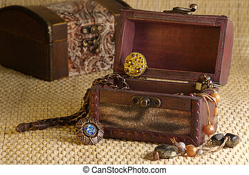 Retro jewelry - Jewelry in box a la retro on wicker...