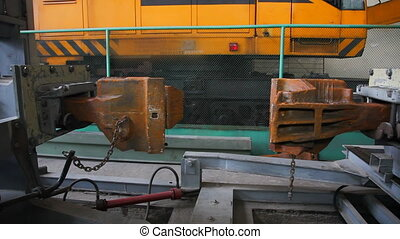 Train coupling test - Mechanism for testing the coupling...