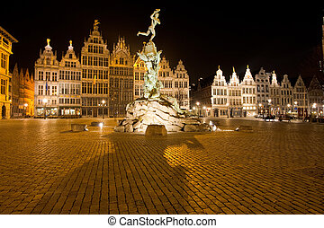 Brabo Statue Antwerp Grote Markt Night - The statue of Brabo...