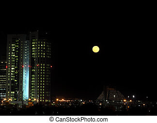 Moonrise Doha - Moonrise over the distinctive West Bay...