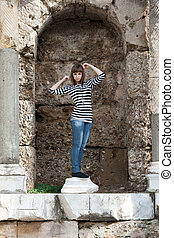 The girl in the ruins