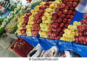 Shop the fruit