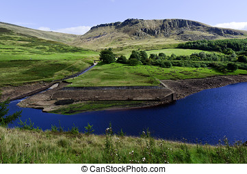 Peak District National Park - Dovestone Reservoir Peak...