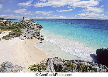 Tulum beach, Yucatan, Mexico - Tulum mayan ruins in Yucatan,...