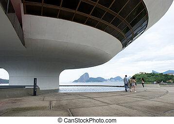 Oscar Niemeyer's Niter?i Contemporary Art Museum and Sugar Loaf, in Rio de Janeiro, Brazil