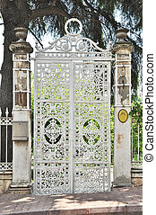 Garden gate - White old garden gate
