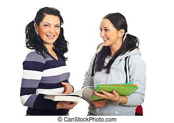 estudiantes, conversación, feliz, teniendo, mujeres