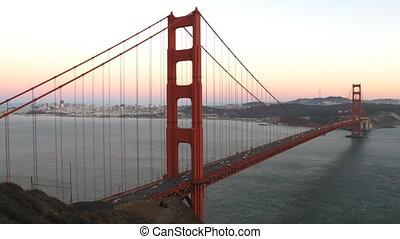 Golden Gate Bridge - Time lapse Golden Gate Bridge at...