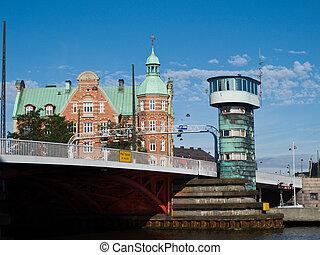 bascule bridge 'Knippelsbro' in Copenhagen, Denmark