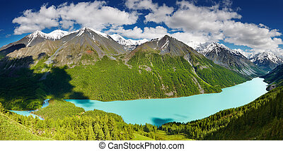 Mountain lake - Beautiful turquoise lake Kucherlinskoe in...
