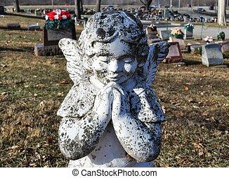 Gravesite - Angel - praying