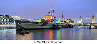 HMS Belfast and Tower Bridge - Thames, London - HMS Belfast...