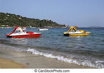 méditerranéen,  pedalos
