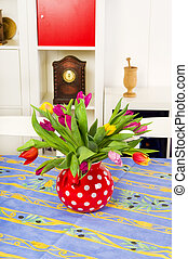 Tulips in vase - Bouquet colorful tulips in the living room