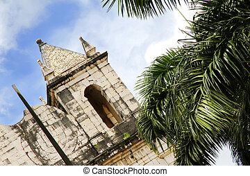 薩爾瓦多, 教堂